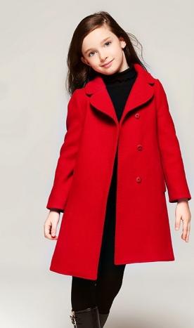 Palton roșu fetiță